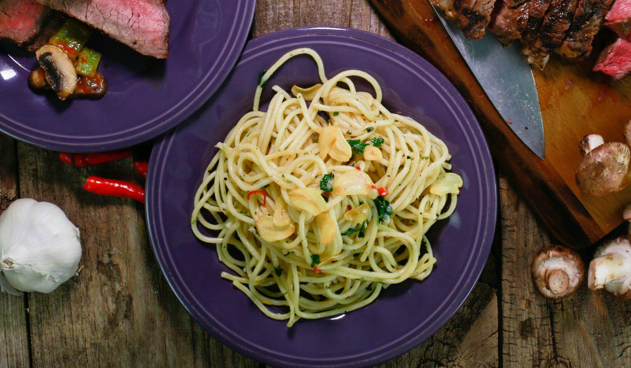 21-Clove Garlic Spaghetti