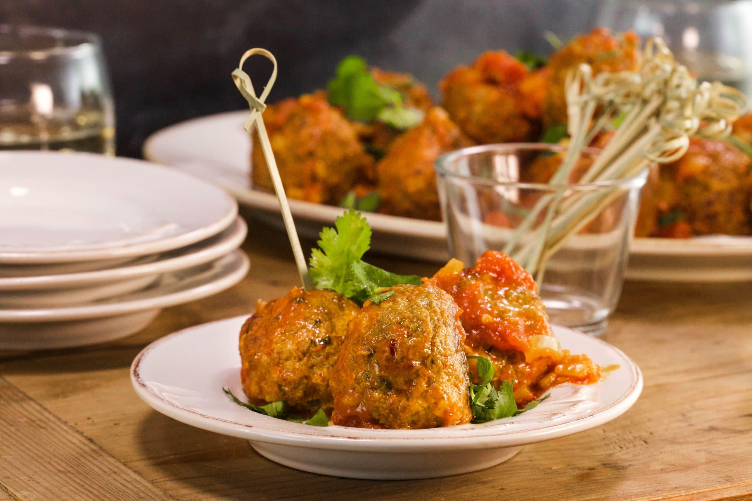 Albondigas (Spanish-Style Meatballs in Tomato Sauce)