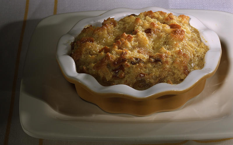 Apple brioche bread pudding
