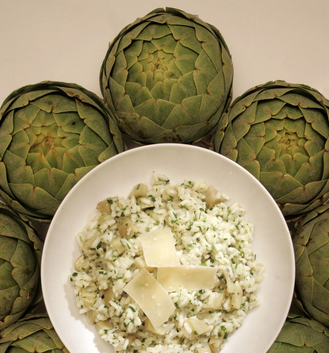Artichoke risotto with lemon zest