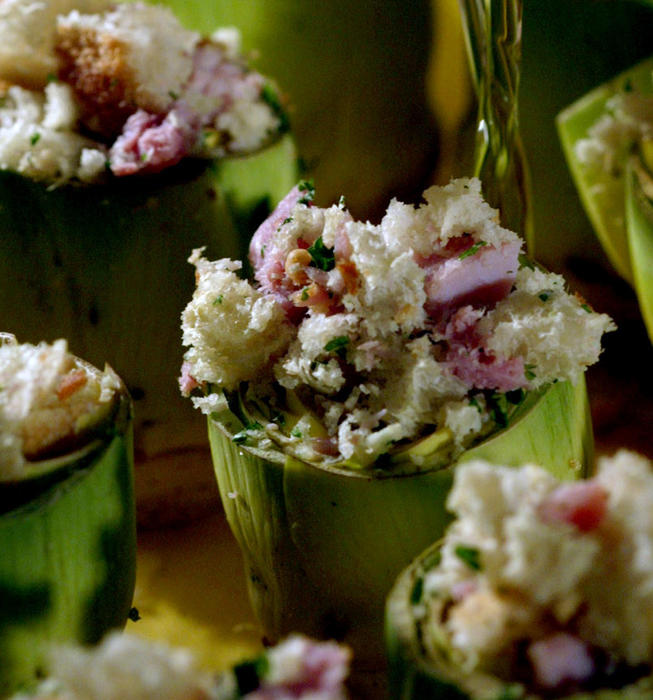 Artichokes stuffed with ham and pine nuts