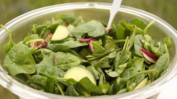 Asian Cucumber Spinach Salad