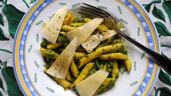 Asparagus and Pistachio Pesto Pasta