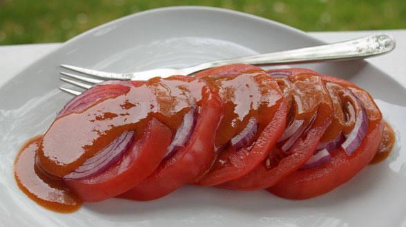 Beefsteak Tomato Salad with Steak Sauce Dressing