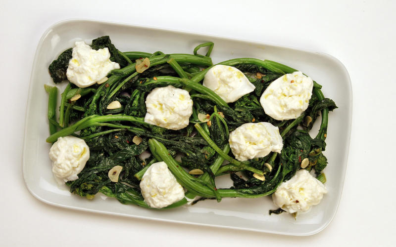 Broccoli rabe with burrata