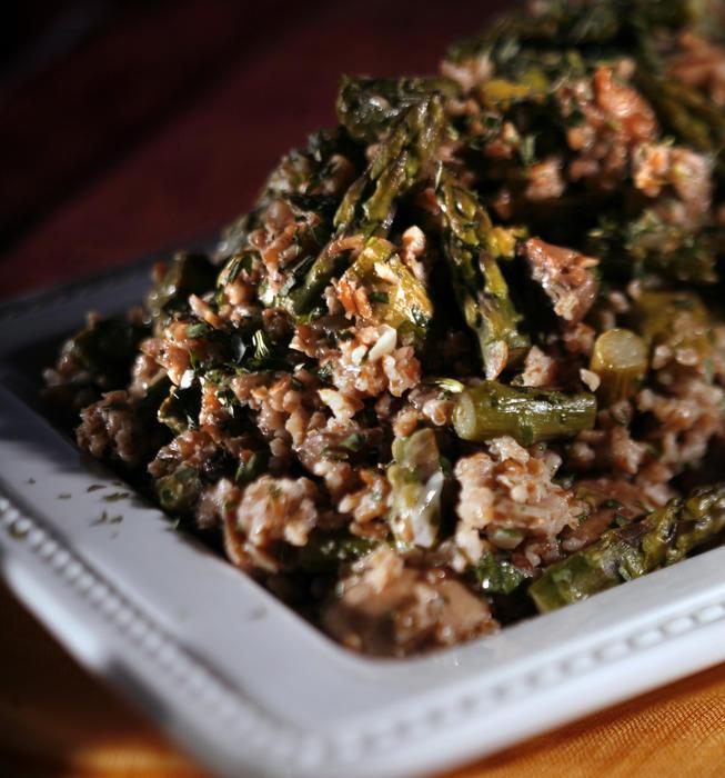 Bulgur pilaf with asparagus, mushrooms and tarragon