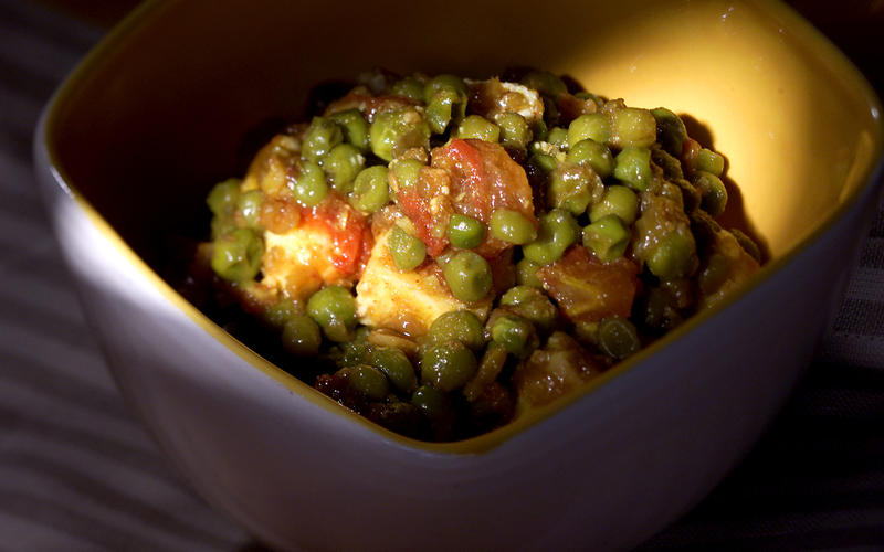 Cheese and Peas (Mattar Paneer)