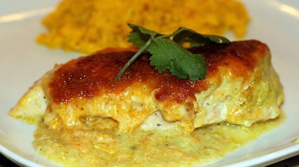 Cheesy Chicken in Poblano Sauce