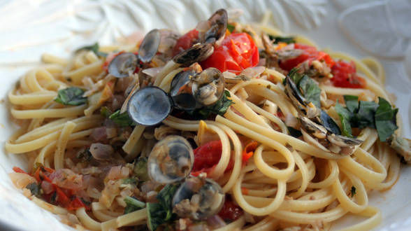 Cherry Tomato Red Clam Sauce with Linguine