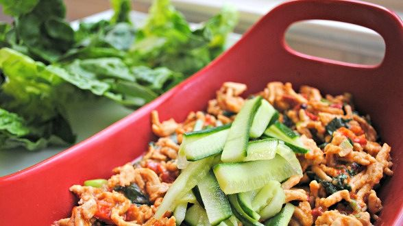 Chicken Pepper and Basil Lettuce Cups with Thai BBQ Sauce
