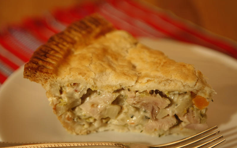 Classic chicken, leek and fennel pot pie