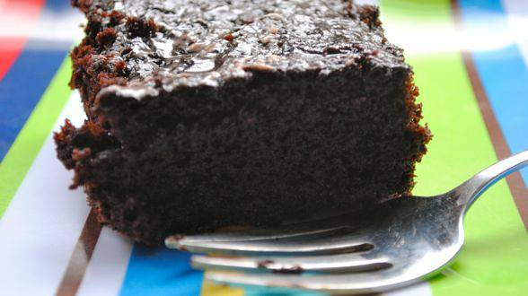 Crazy No-Bowl Chocolate Cake
