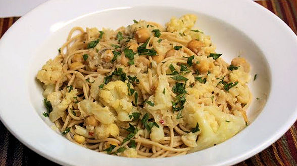 High-Protein Spaghetti with Chick Peas and Roasted Cauliflower