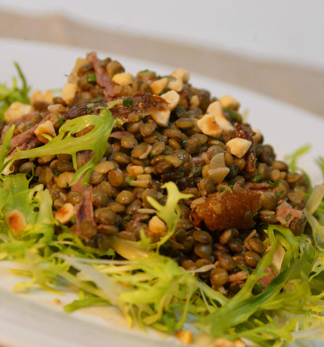 Lentil and duck salad with hazelnut dressing