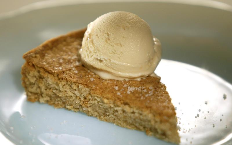 Lucques' hazelnut brown butter cake
