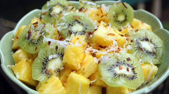 Pineapple with Lime and Coconut