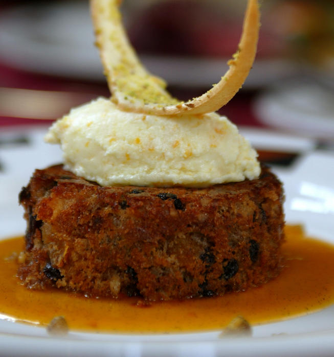 Plum pudding with Ahwahnee apricot sauce