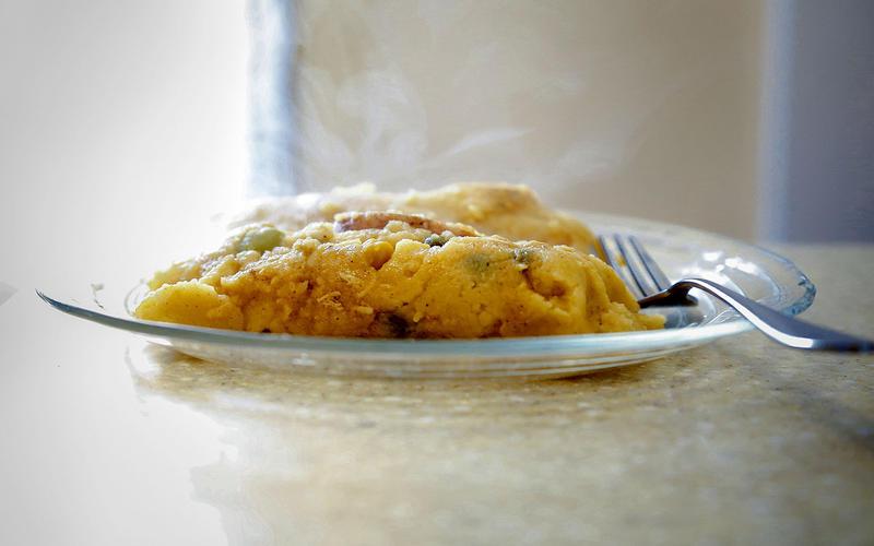 Salvadoran chicken tamales