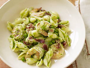 Shrimp and Shells with Pancetta and Peas