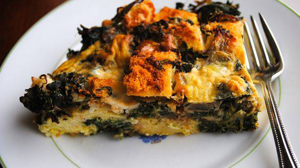 The Ultimate Breakfast for Dinner:Sausage and Spinach Egg Strata