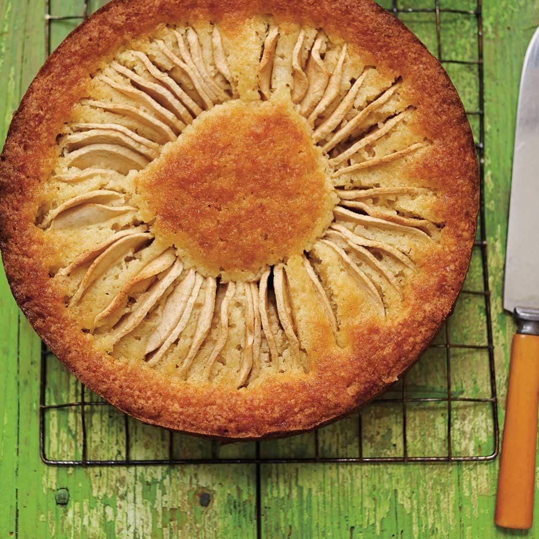 Apple <i>Kuchen</i> Cake