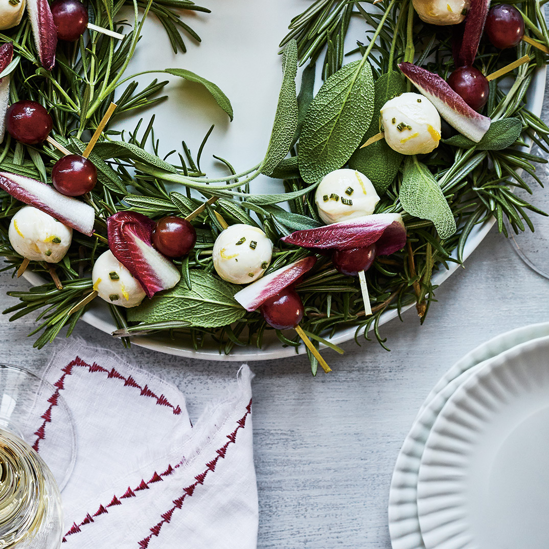 Bocconcini Skewers with Grapes and Rosemary