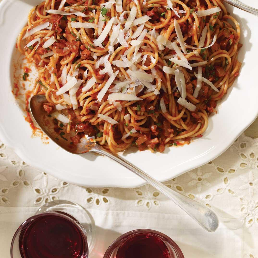 <i>All'amatriciana Spaghetti</i> (Spaghetti with a Spicy Tomato Sauce)
