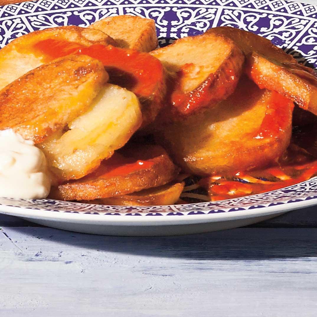 <i>Patatas bravas</i>