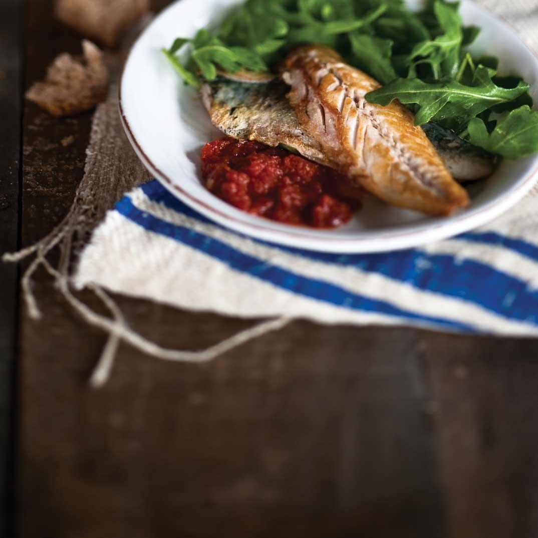 Pan-Seared Mackerel with Tomato Sauce and Arugula