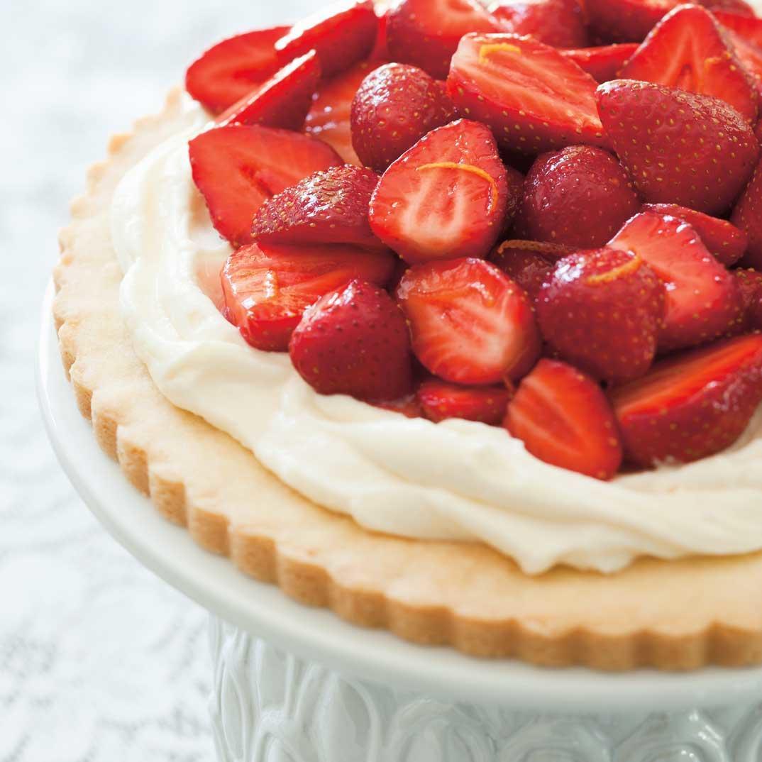 Strawberry and Mascarpone Cookie Pie